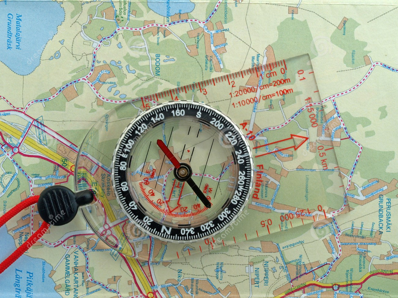 orienteering-compass-map-1055090 - Copie